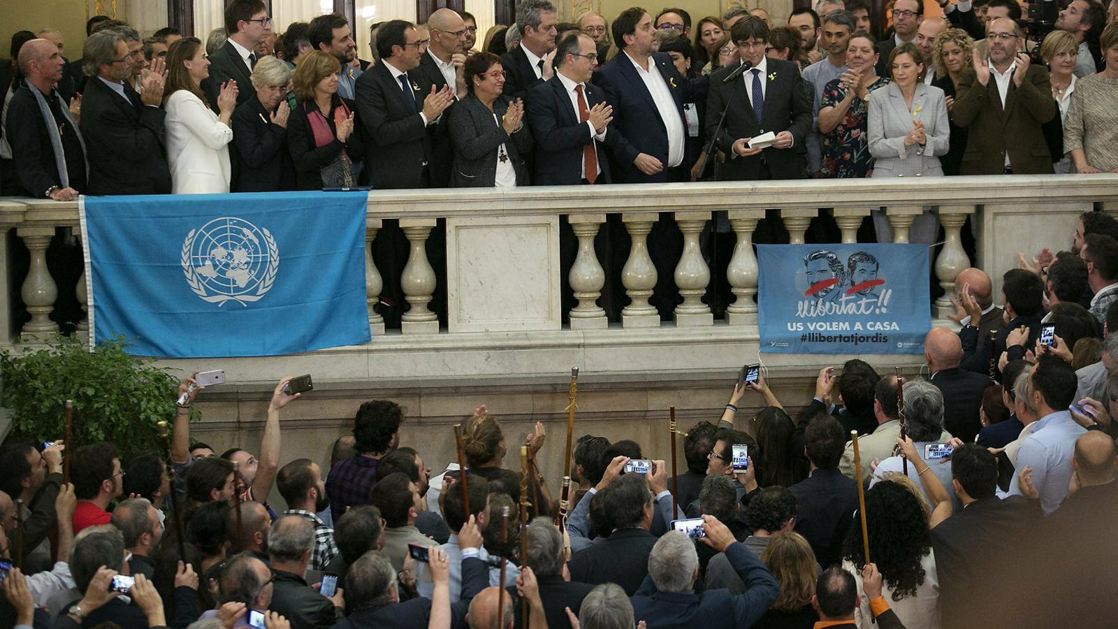 Puigdemont i Junqueras en els discursos després de la DUI d'avui fa dos anys al Parlament.