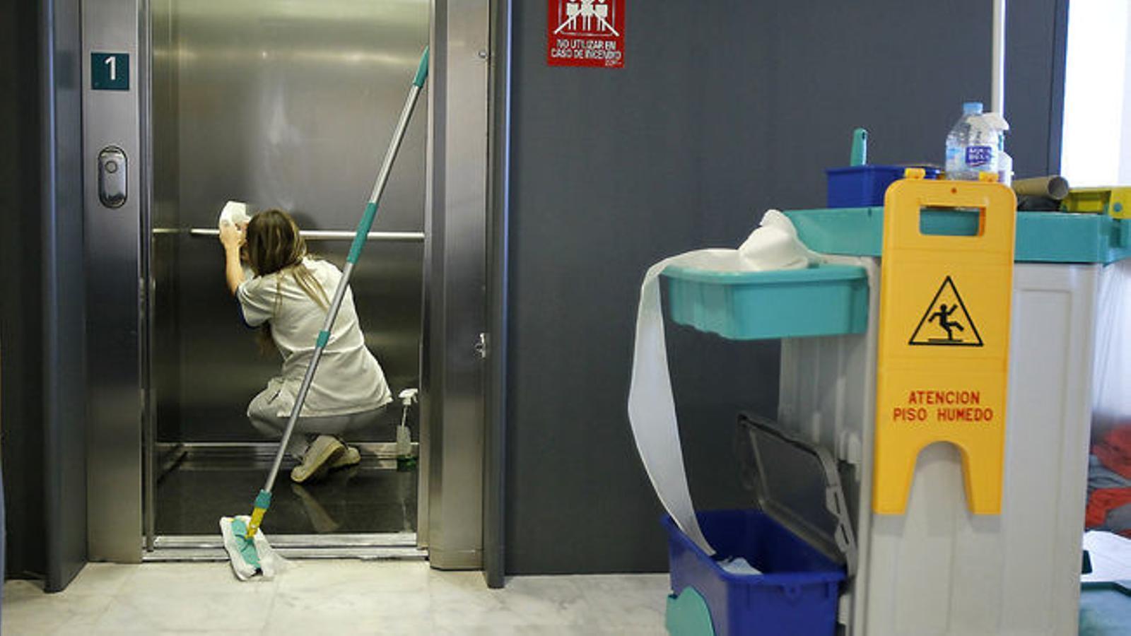 Més del 70% d'usuaris del servei d'intermediació de salud laboral són dones
