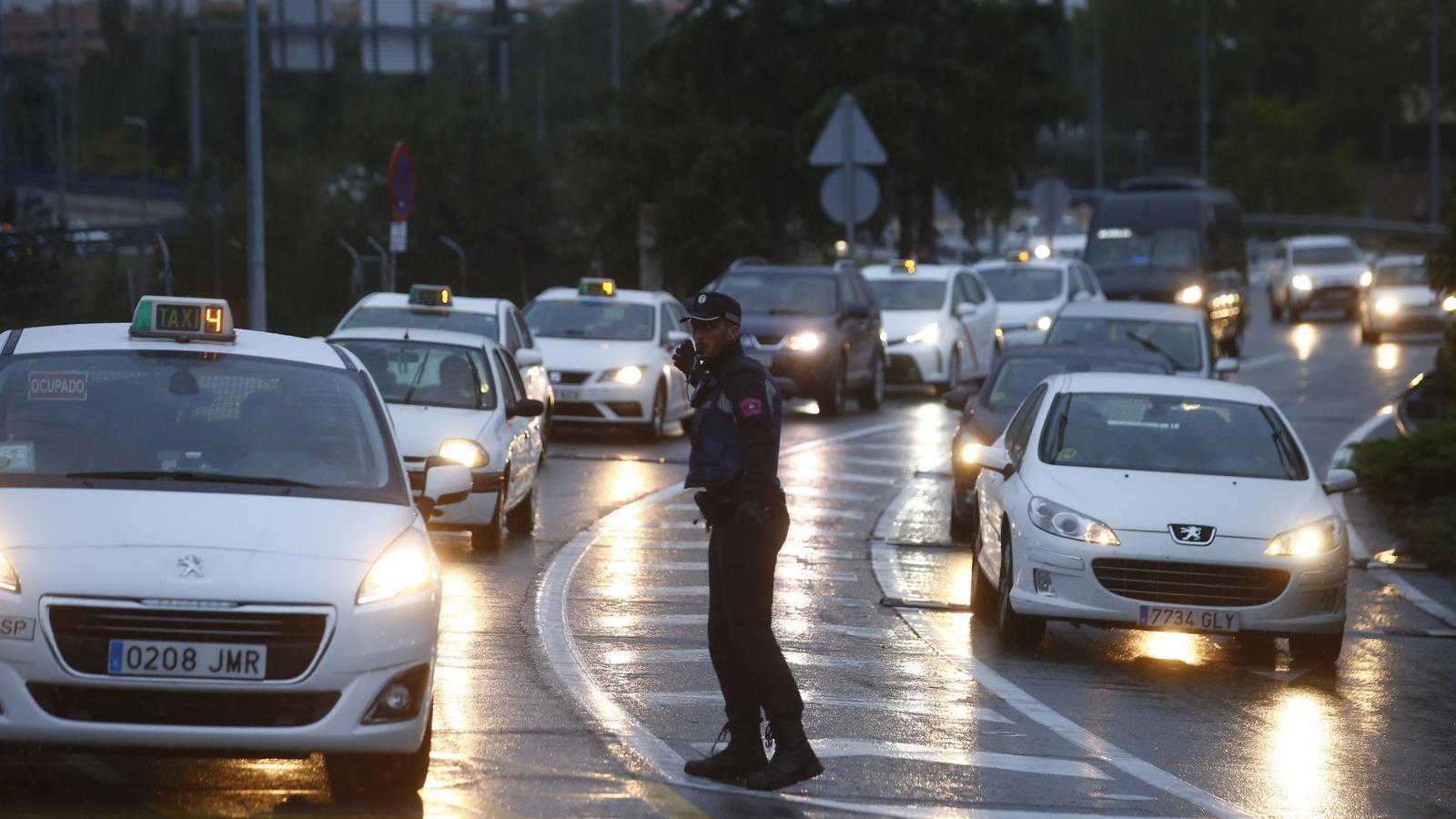 El Tsunami Democràtic intenta bloquejar els accessos a Barajas