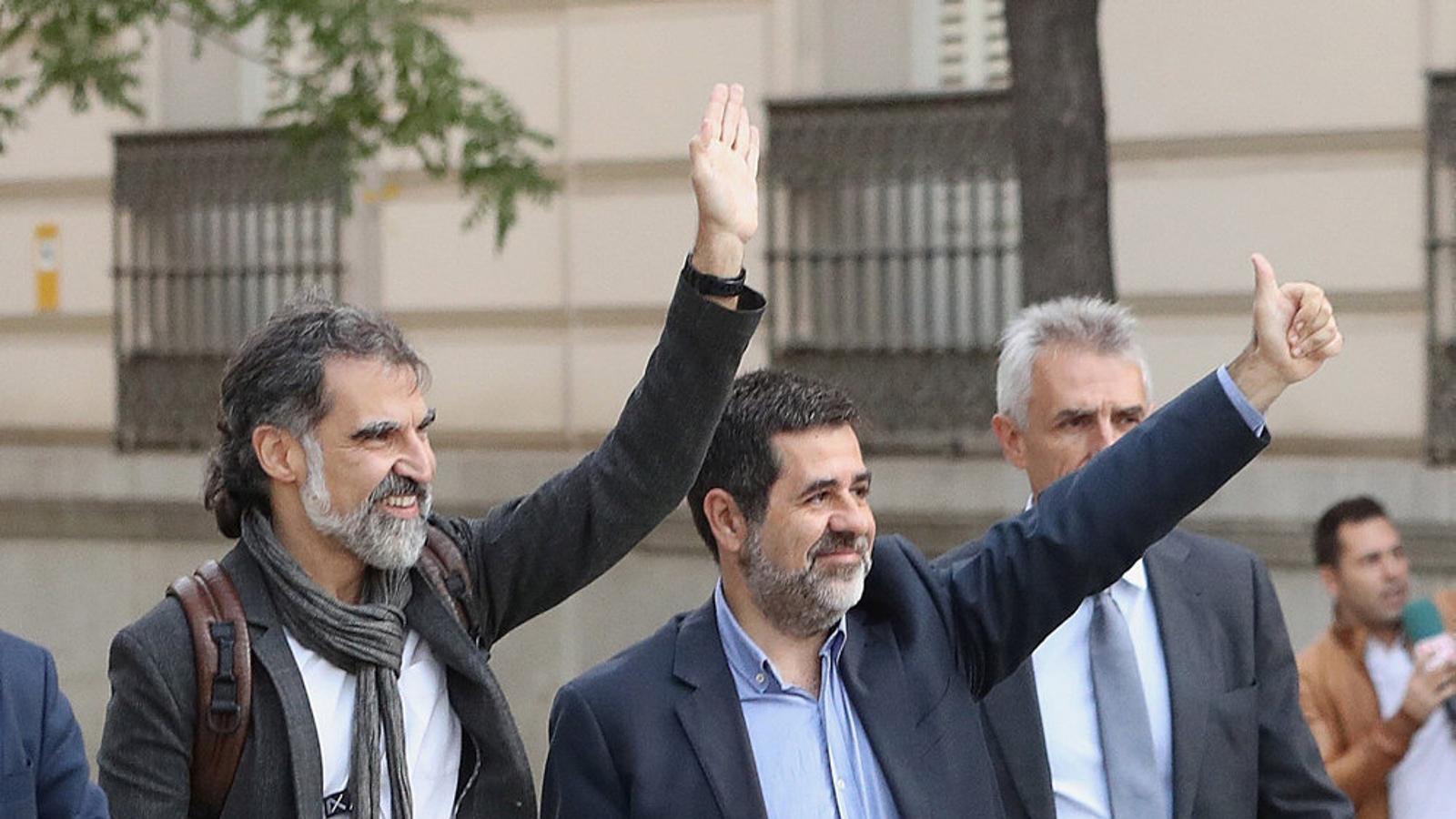 Jordi Cuixart i Jordi Sànchez són a la presó des  del 16 d'octubre.