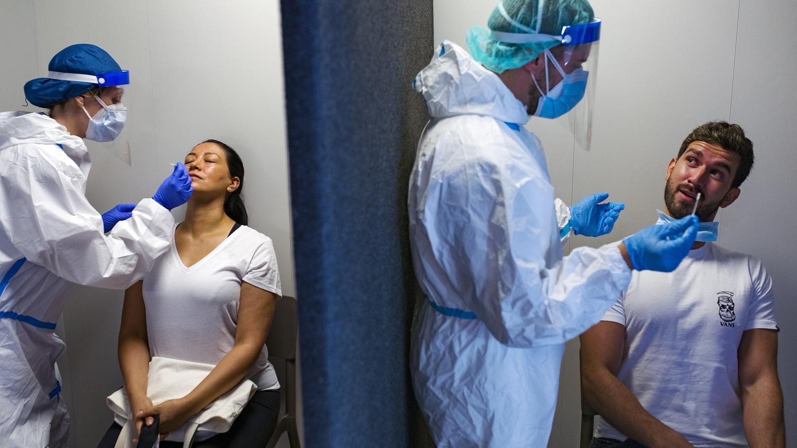 Cribratges massius amb proves PCR a l'espai comunitari del barri del Remei de Vic