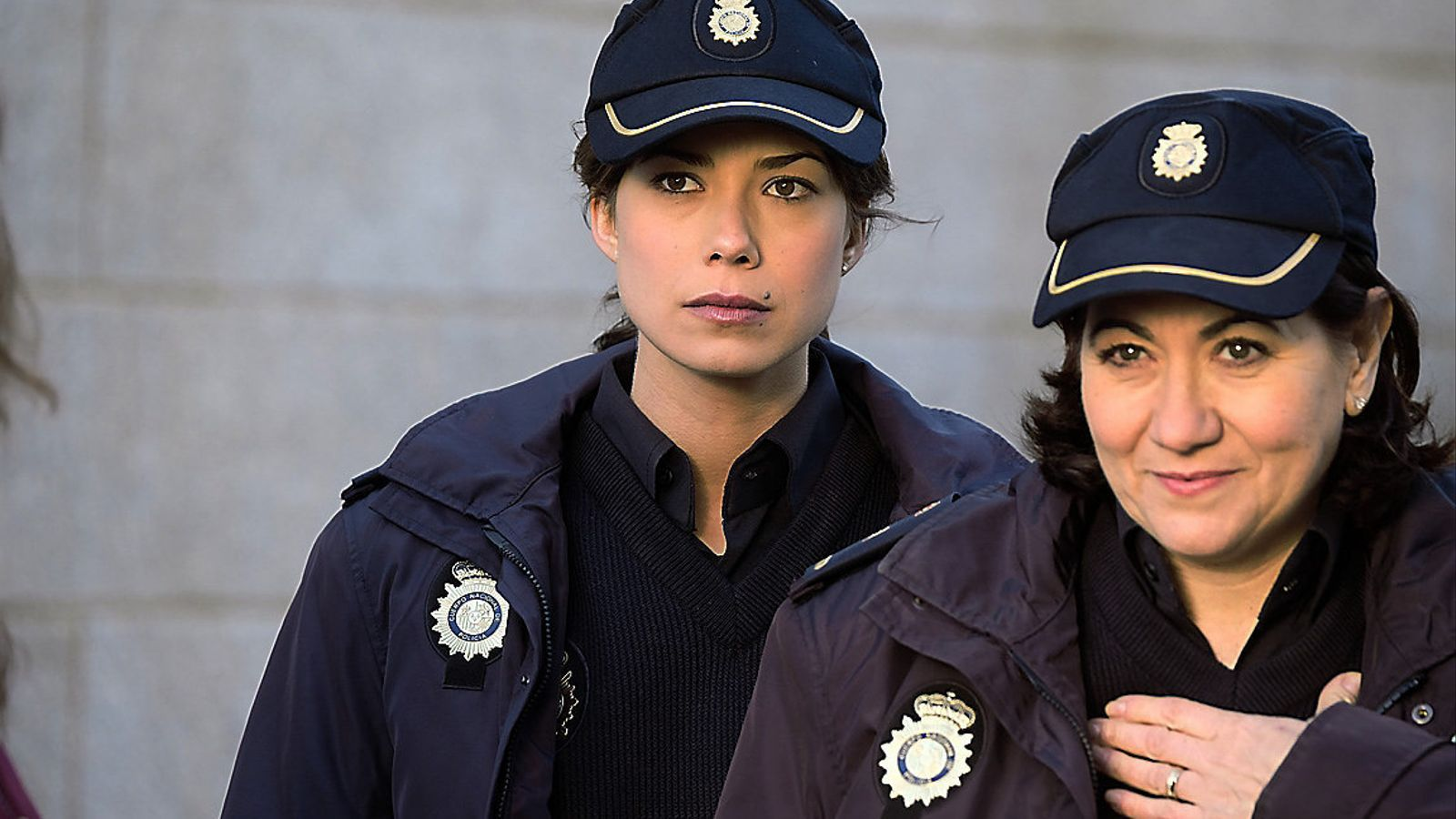 La 1 substitueix 'Seis hermanas' per 'Servir y proteger'