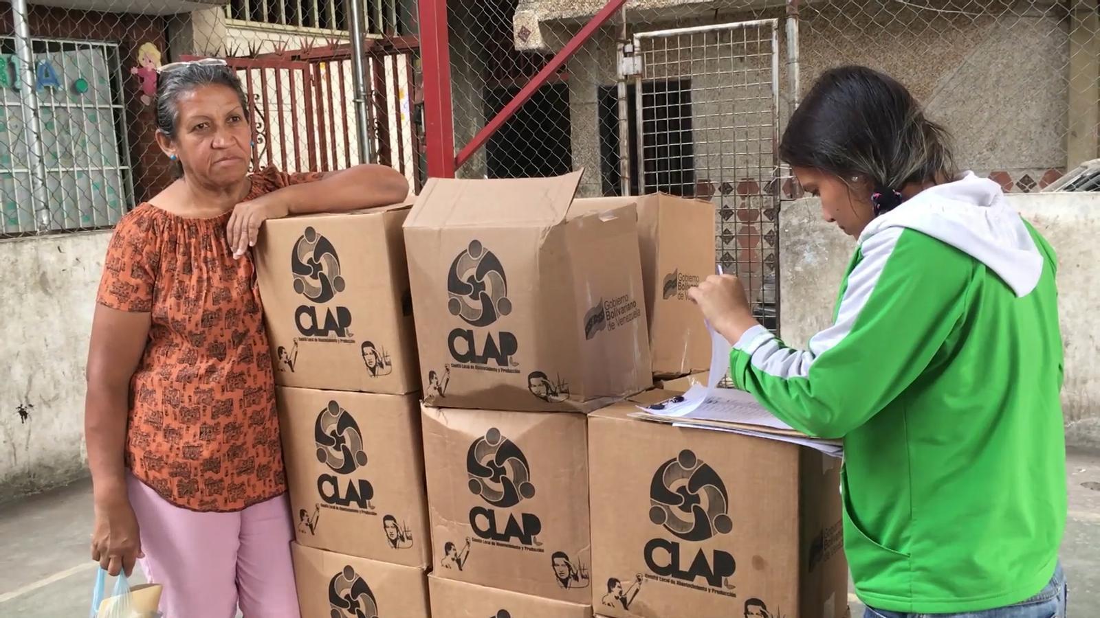 Veneçuela: menjar a canvi del carnet del partit