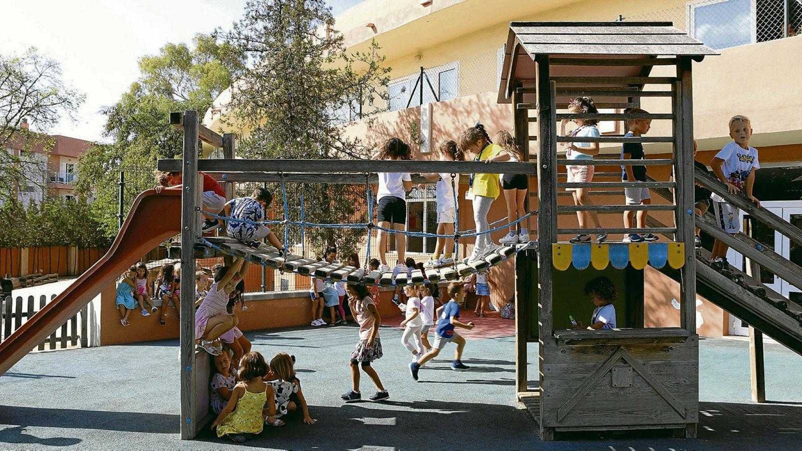 D'una escola amb més de 2.000 alumnes a un supermercat cooperatiu