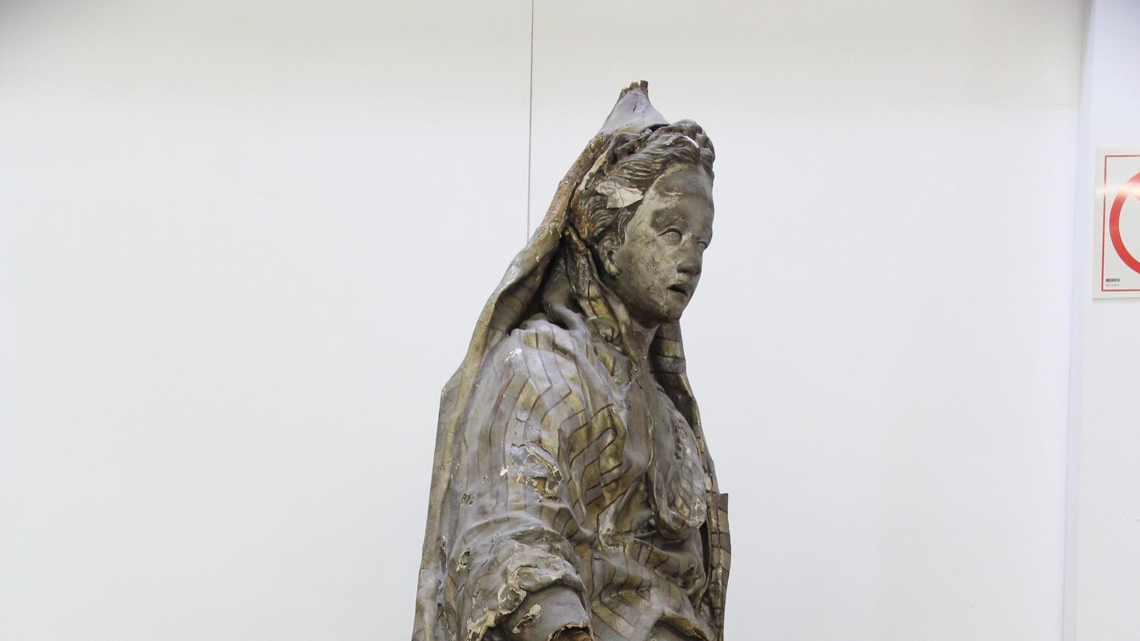 Escultura de La Sibil·la en restauració