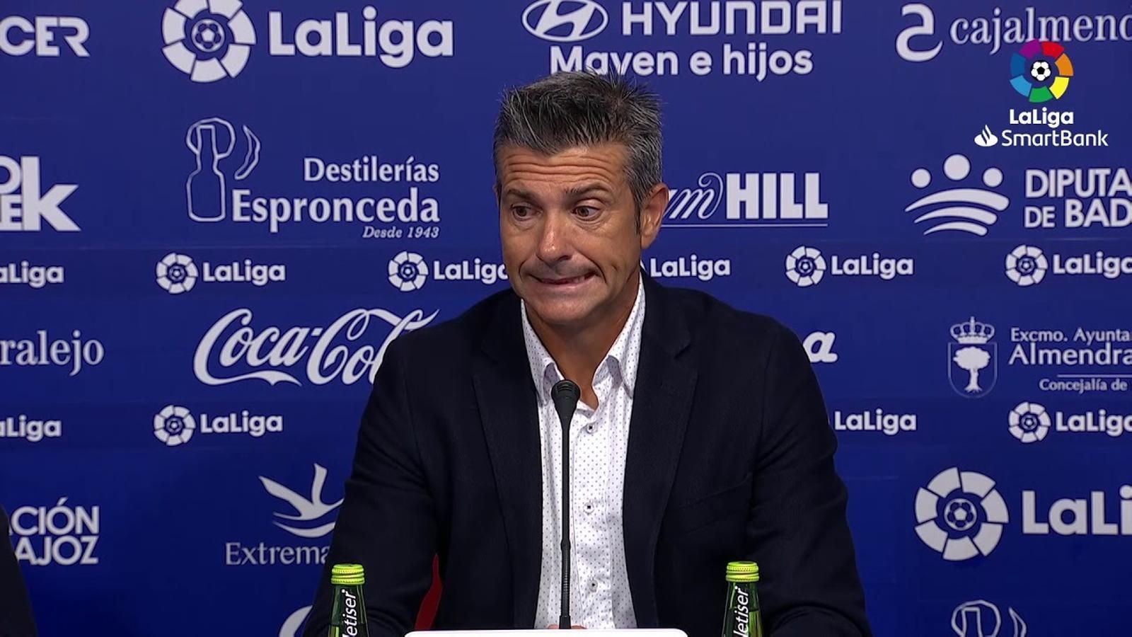 Roda de premsa de Pep Lluís Martí, entrenador del Girona, després del triomf a Extremadura
