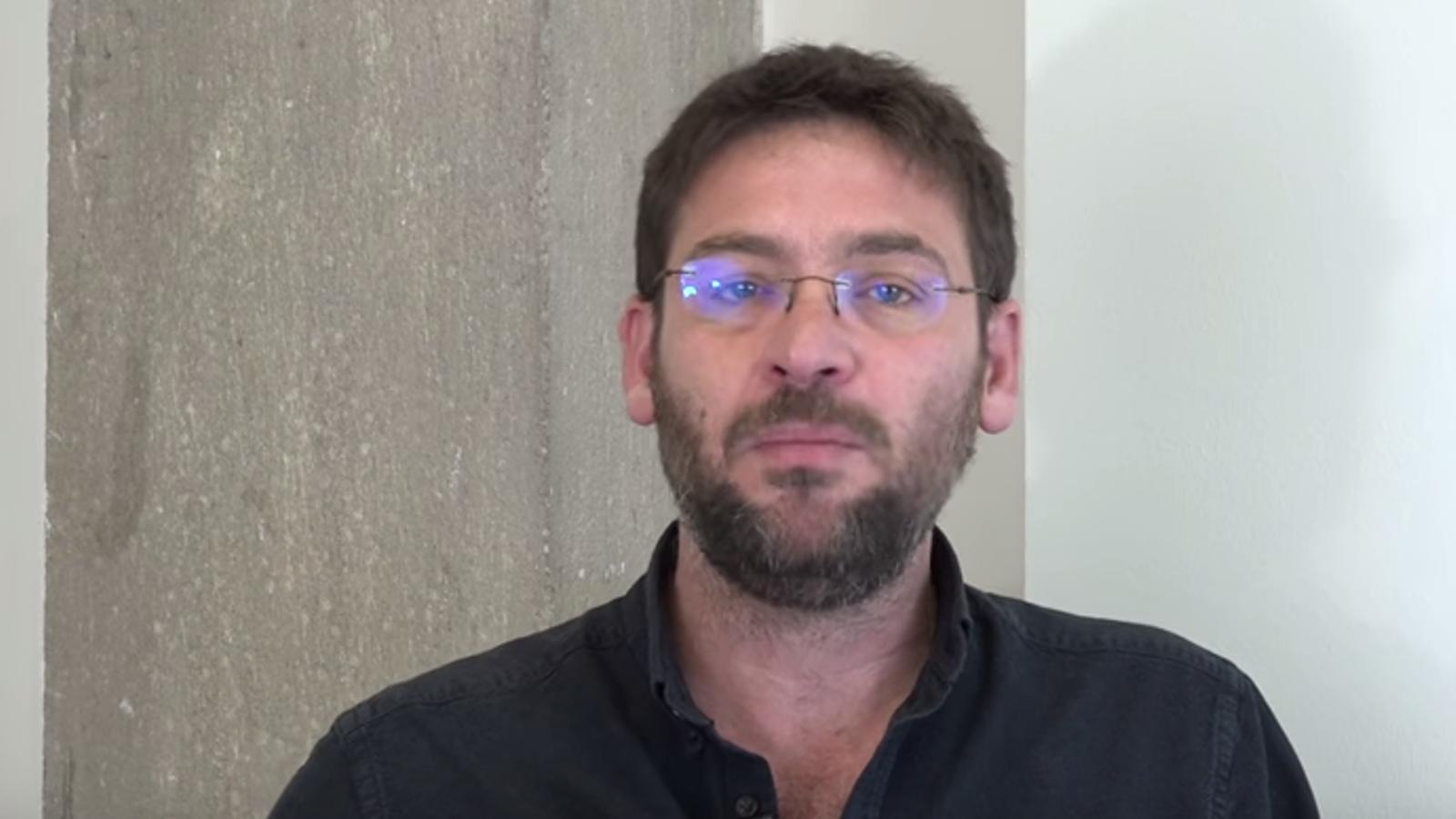 El vídeo d'Albano-Dante Fachin dirigit als indecisos