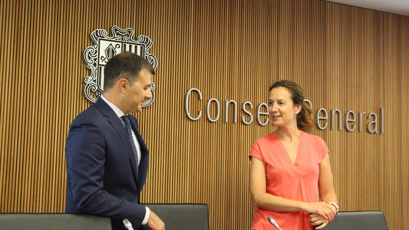 El director general de Medi Ambient, Marc Rossell i la ministra de Medi Ambient, Sílvia Calvó