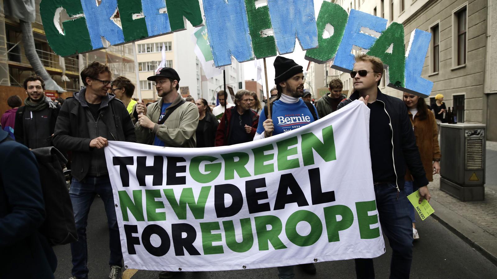 Participants d'una manifestació del moviment contra el canvi climàtic Fridays For Future a Alemanya