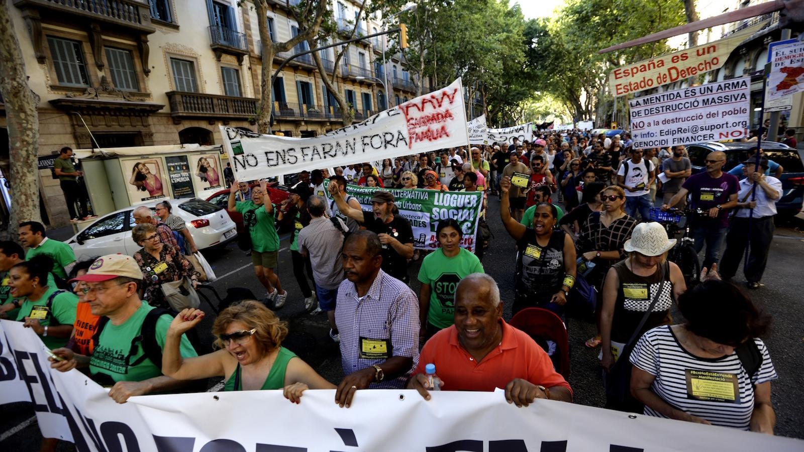 Una immobili ria publicoprivada vol ser rendible oferint for Pisos de lloguer a barcelona