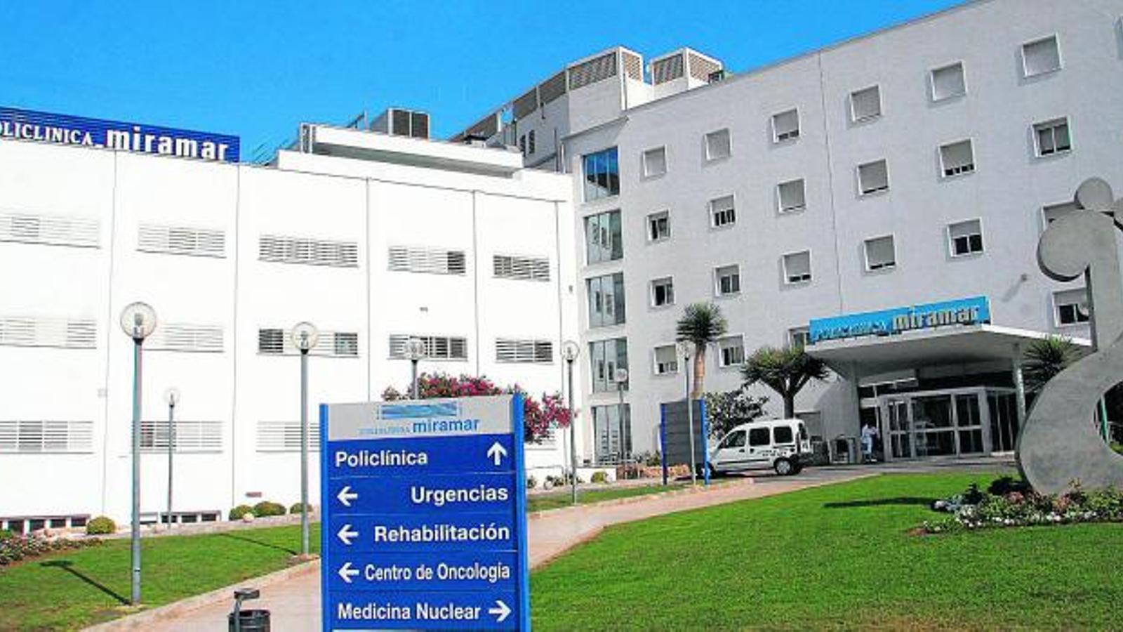 PARAULA CLAU NEGATIU  Després de l'abandonament del Grupo Recoletas, la titularitat de la Policlínica perviu ara amb capital forà i gestió de Red Juaneda.