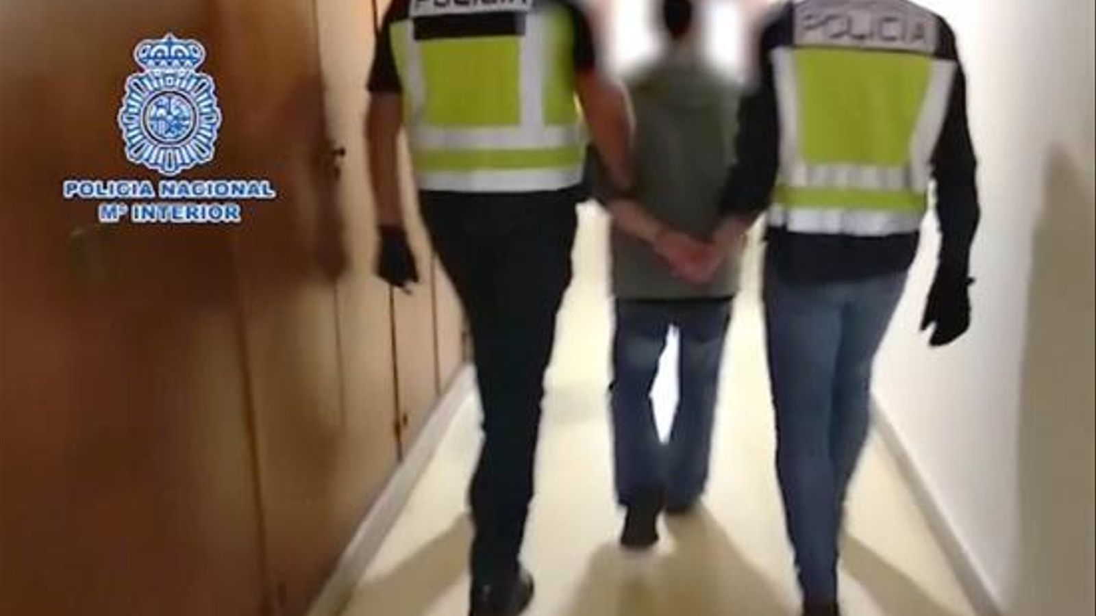 Imatge facilitada per la Policia Nacional de la detenció a Saragossa de César Román