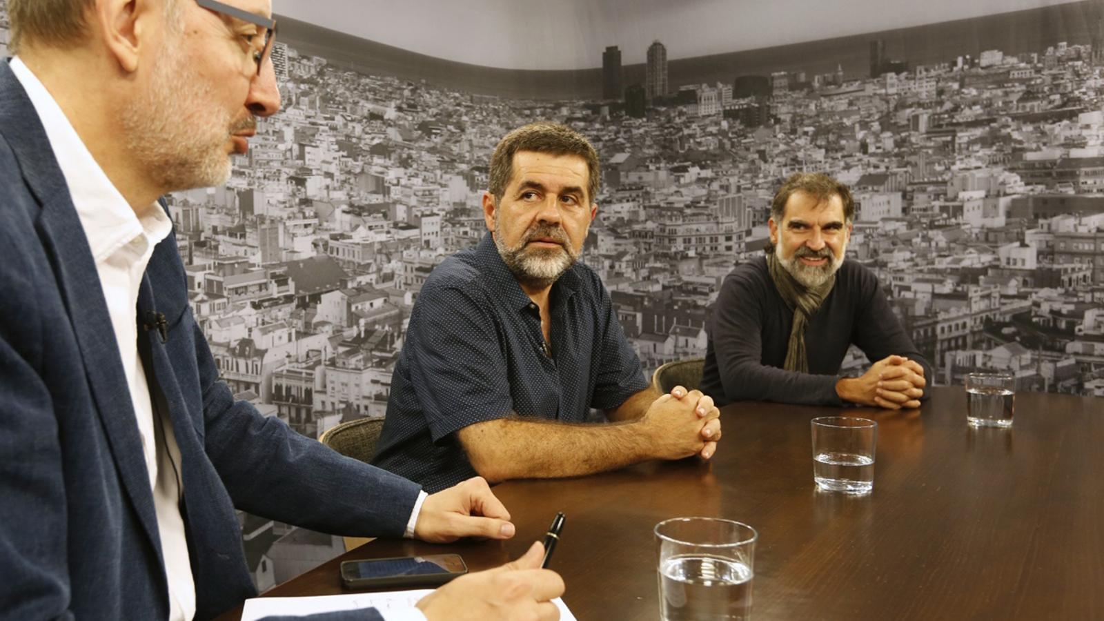 Entrevista d'Antoni Bassas a Jordi Sànchez (ANC) i Jordi Cuixart (Òmnium)