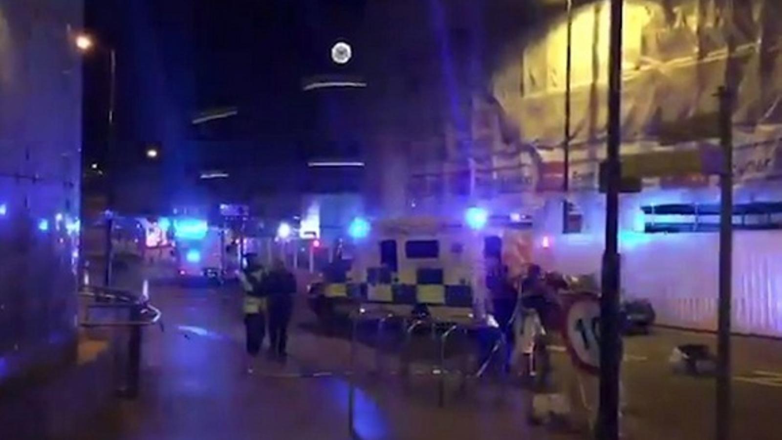 Pànic al Manchester Arena després d'una explosió