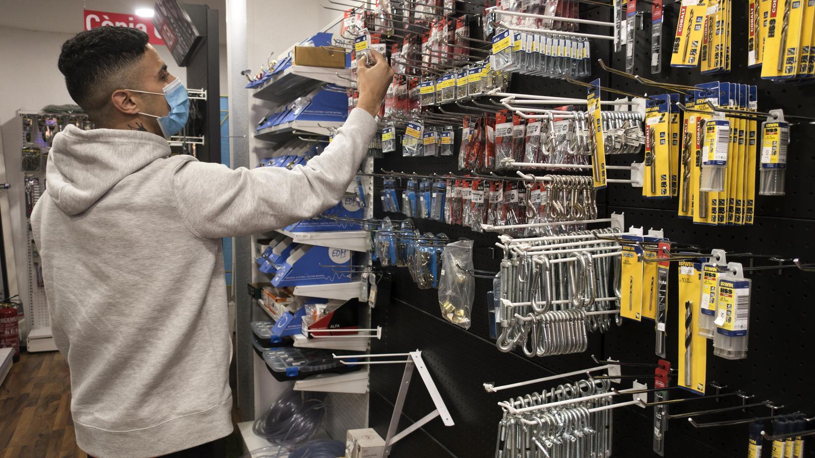 Barcelona subvencionarà a qui rebaixi el lloguer als comerços