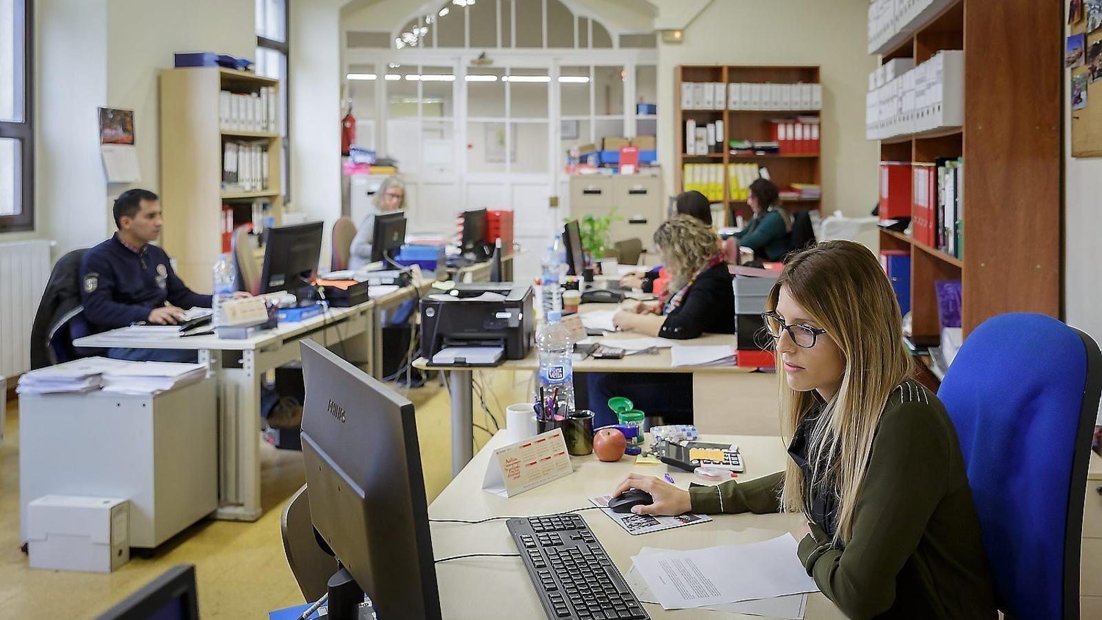 L'Obra Cultural Balear ha recollit les queixes de particulars i empreses sobre la Plataforma.