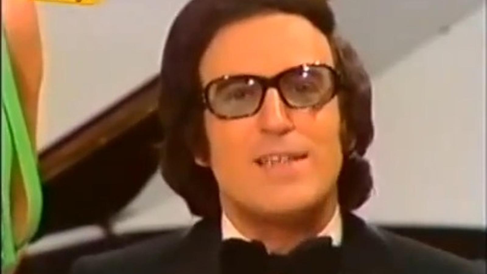 Algueró toca 'Te quiero, te quiero' al seu programa 'La hora de Augusto Algueró'