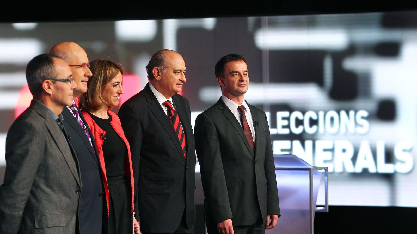 Els candidats al Plató TV3 va muntar una escenografia impecable per al debat electoral.