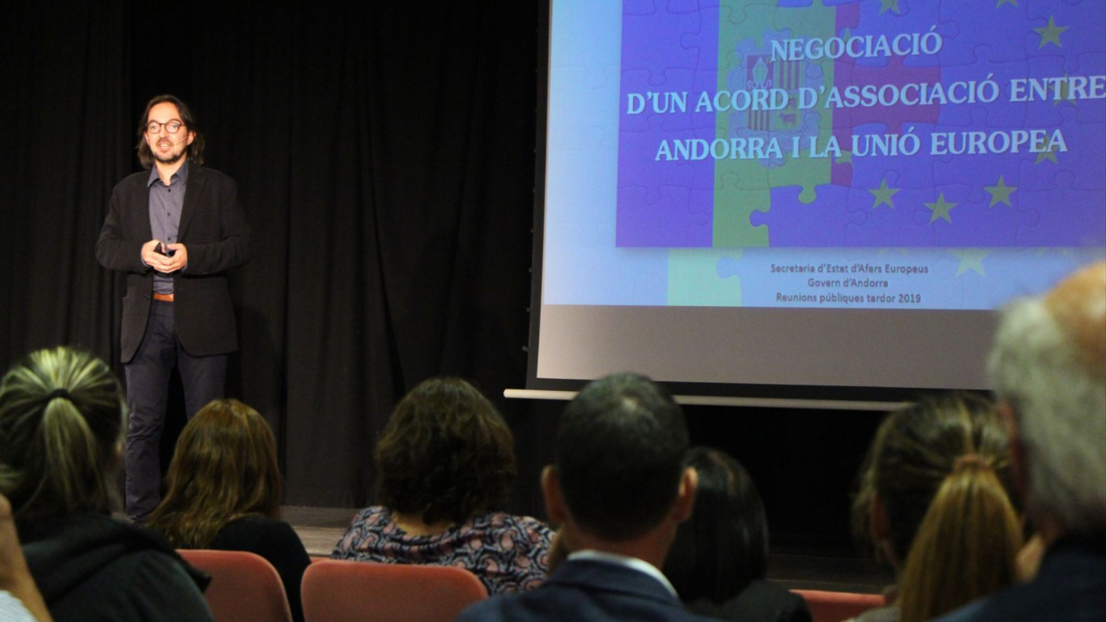 Reunió de poble a Canillo per parlar sobre l'acord d'associació. / T. N. (ANA)