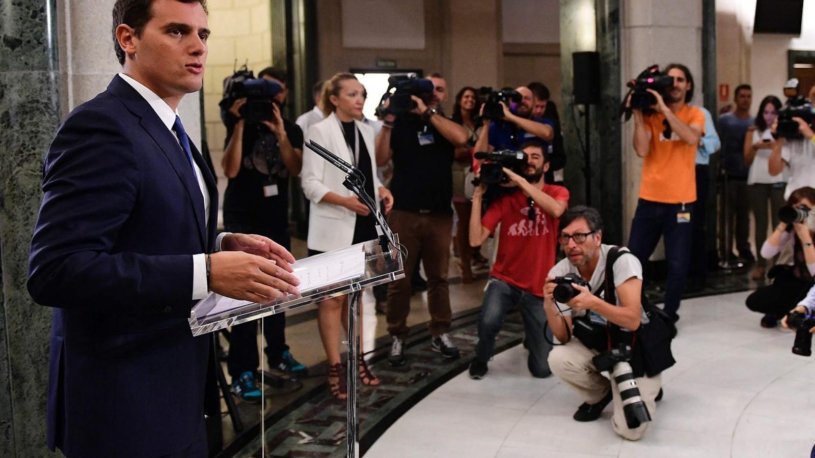 Rivera descarta ser al govern  de Rajoy malgrat l'acostament