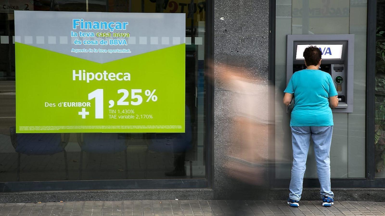 Augmenta tant el nombre d'hipoteques com el capital prestat.