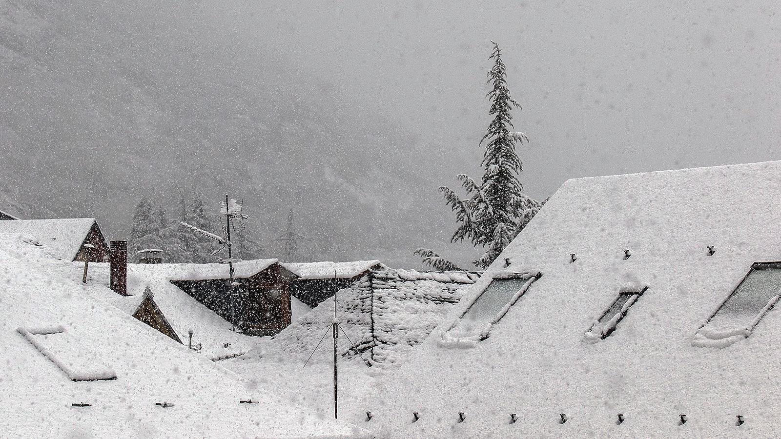 La neu s'estén pel Pirineu i podria aparèixer en més indrets