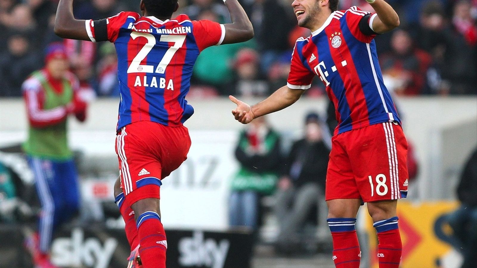 Alaba celebra el segon gol del Bayern contra l'Stuttgart / DANIEL ROLAND / AFP