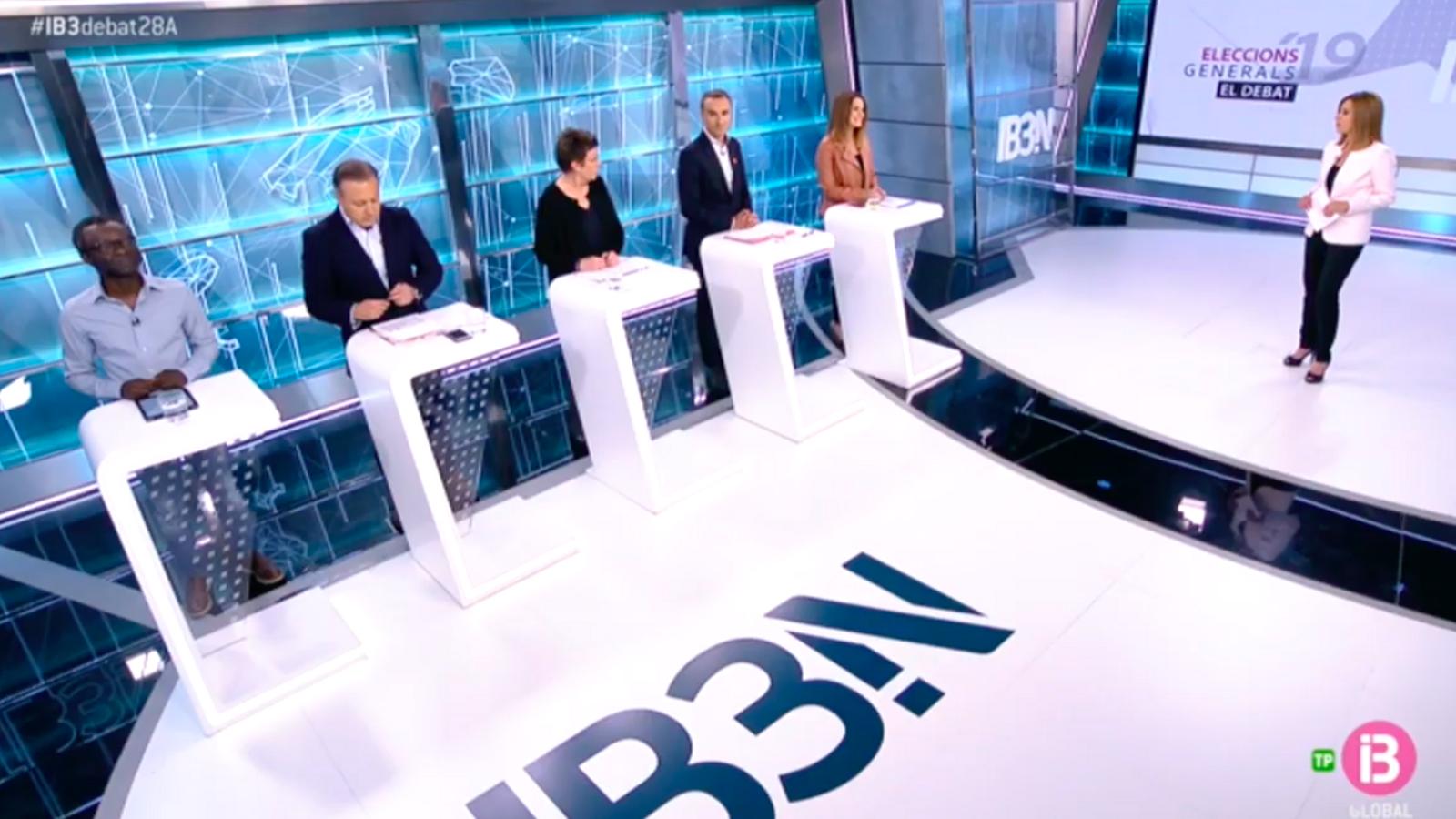 Guillem Balboa (Veus Progressistes), Joan Mesquida (C's), Antònia Jover (Podem), Pere Joan Pons (PSIB) i Marga Prohens (PP) durant el debat.