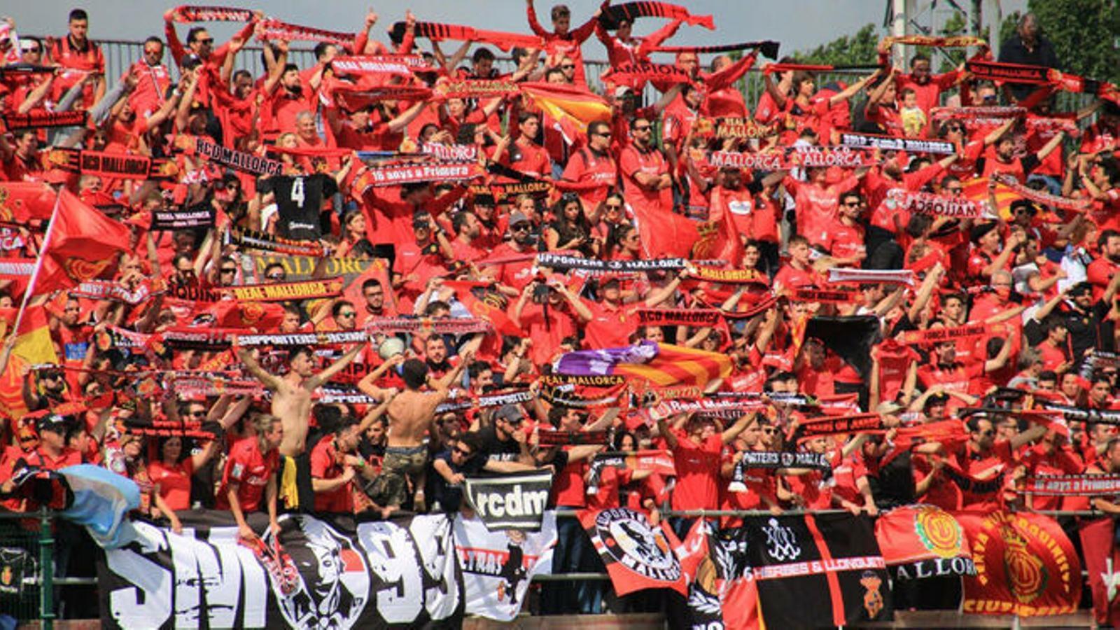 L'afició del Mallorca en un partit