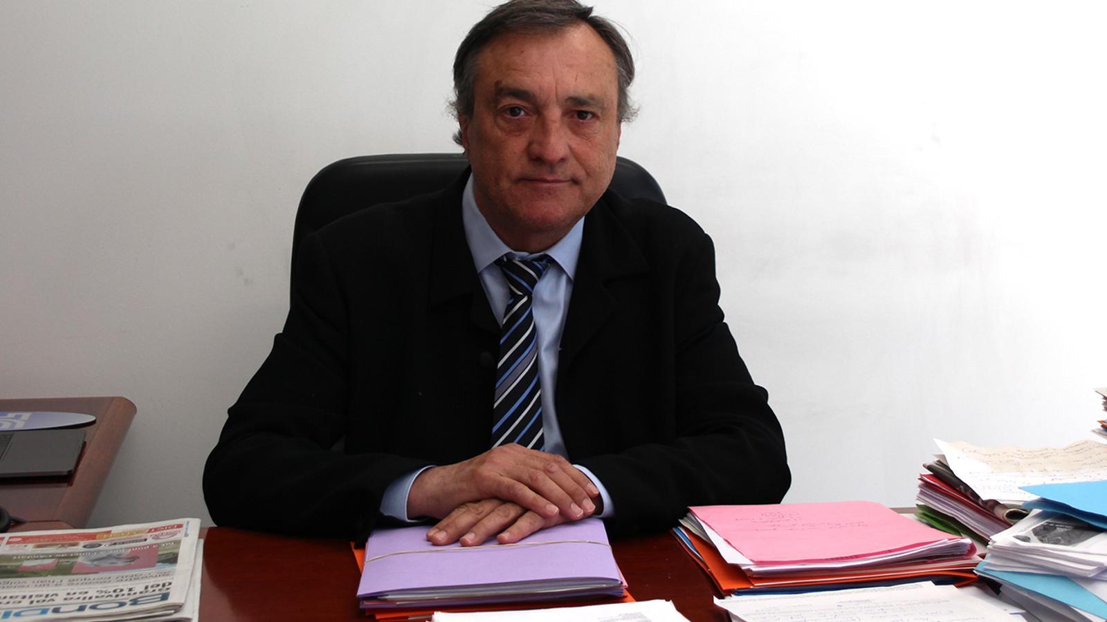 El raonador del ciutadà, Marc Vila, al seu despatx. / M. F. (ANA)