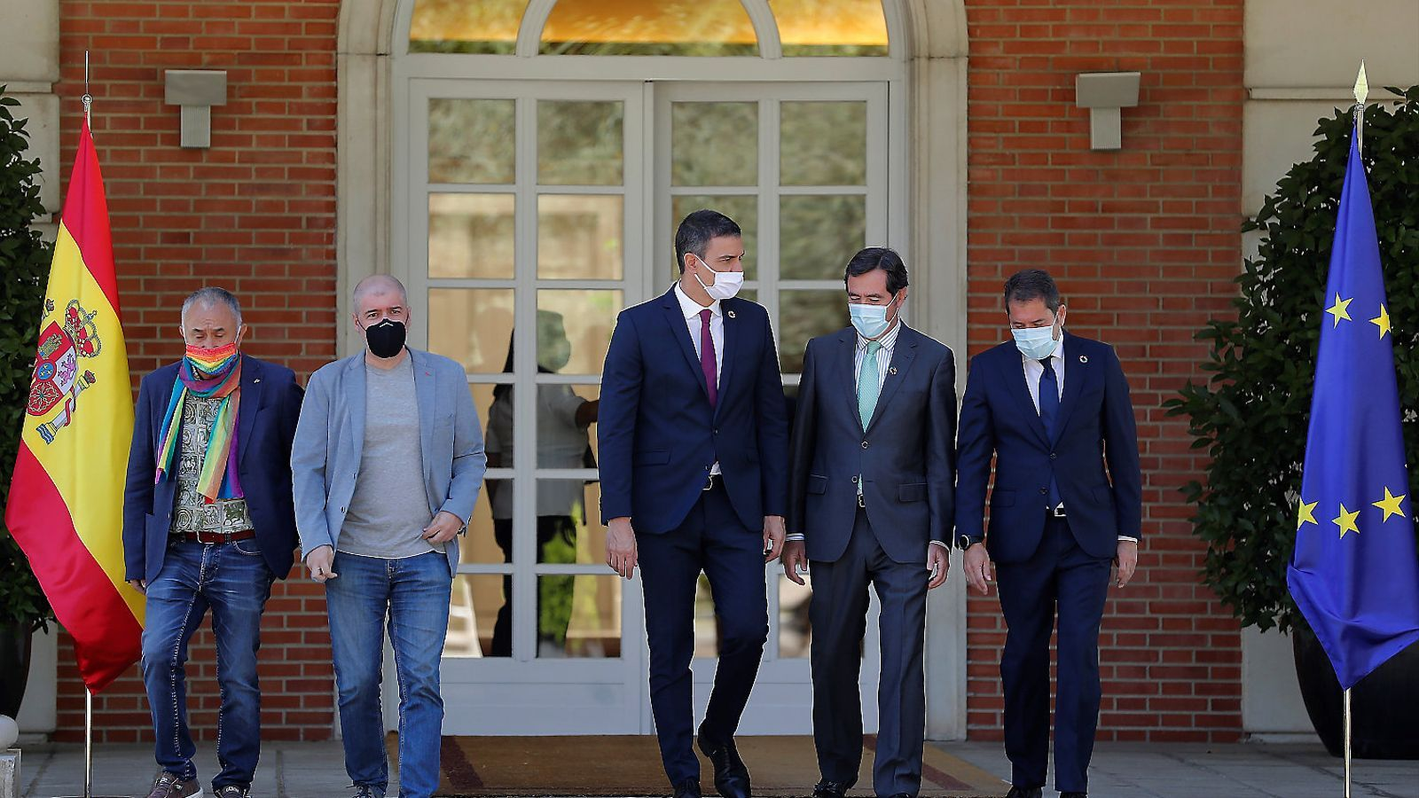 Pedro Sánchez amb els líders de patronals i sindicats / CHEMA MOYA / EFE TJERK VAN DER MEULENCÈLIA ATSET