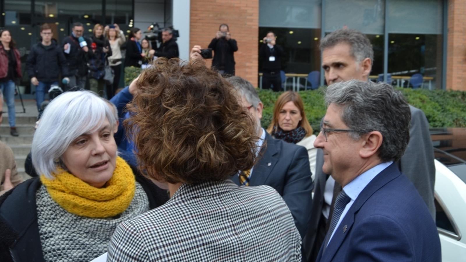 L'alcaldessa de Badalona amb la ministra Dolors Montserrat.