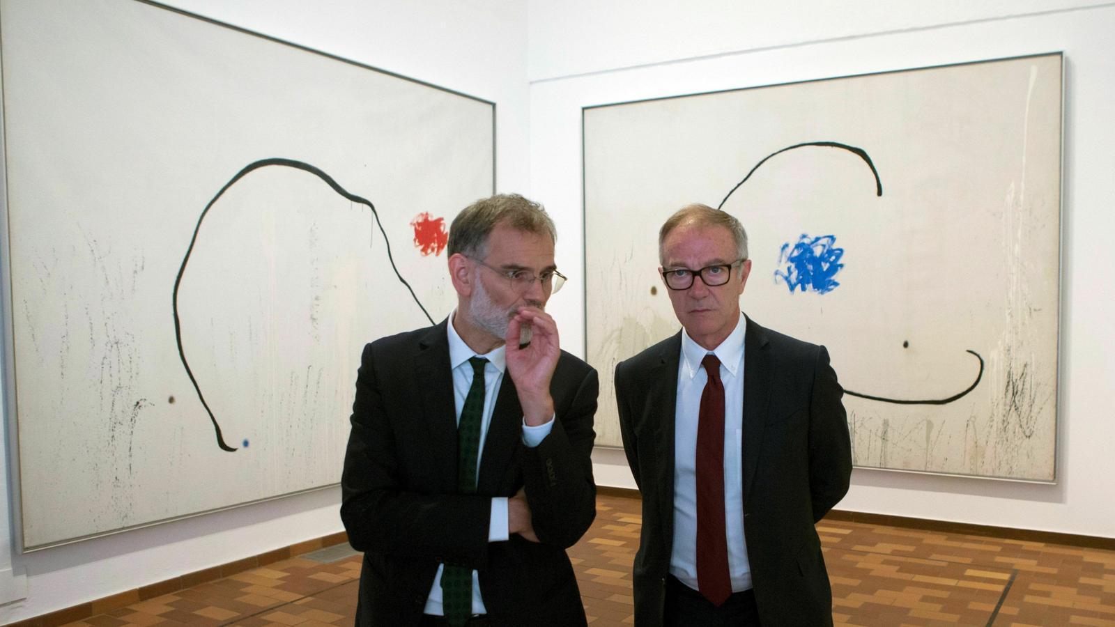 El director de la Fundació Joan Miró, Marko Daniel (esquerra) i el ministre de Cultura José Guirao a la Fundació Joan Miró aquest dijous