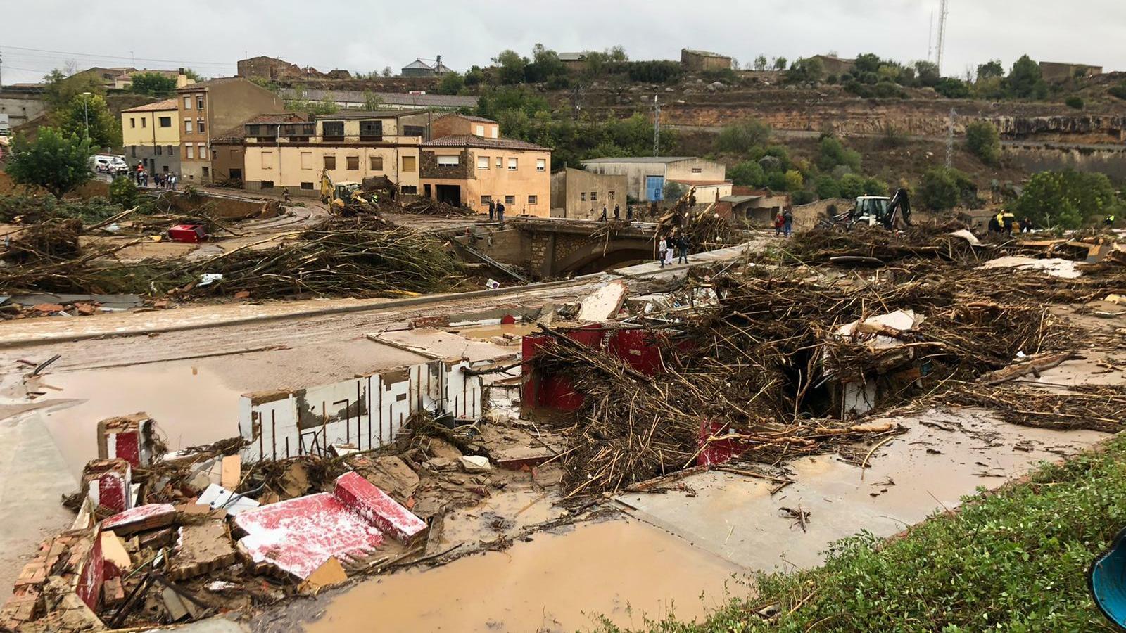 """""""Tot l'edifici ha marxat"""": la Mariona i la seva família han vist com l'aigua s'ha endut el seu celler"""