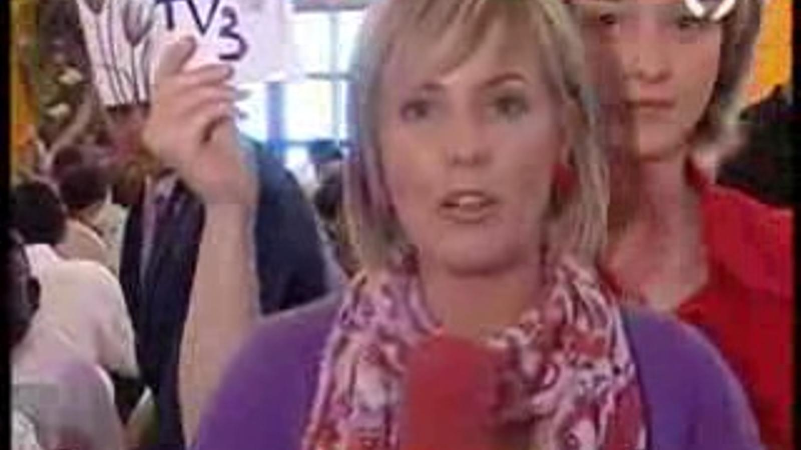 Una espontània reivindica TV3 per al País Valencià davant les càmeres de Canal 9