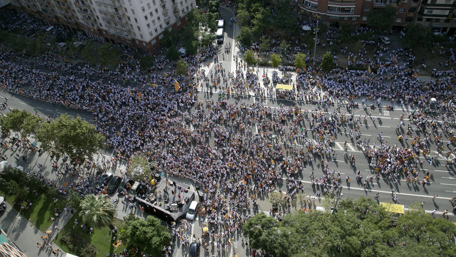 Imatge de la manifestació de la Diada de l'Onze de Setembre  del 2015 a l'avinguda Meridiana  de Barcelona. / FRANCESC MELCION