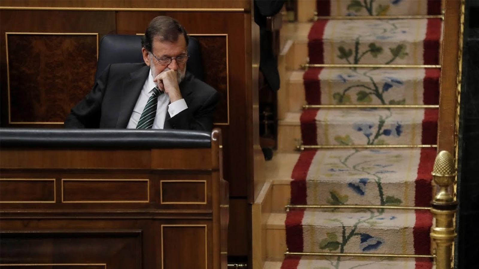 """Rajoy a Xuclà: """"Comprendrà que si ha declarat la independència el govern espanyol està obligat a actuar com mana la Constitució"""""""