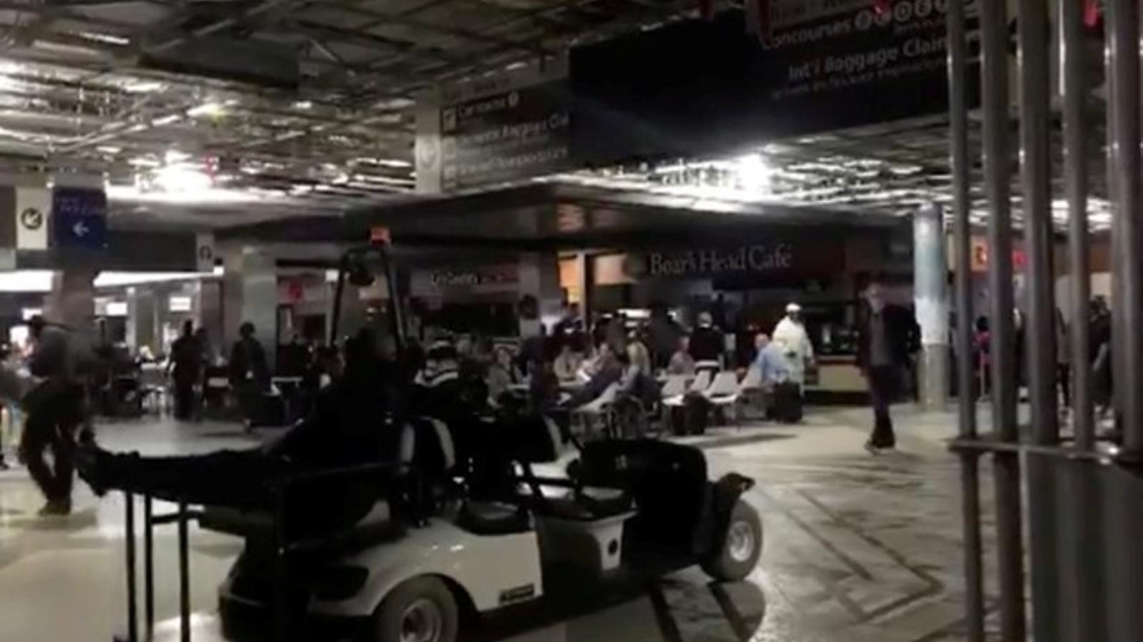 Imatges de l'aeroport d'Atlanta durant l'apagada elèctrica de diumenge 17 de desmebre de 2017.