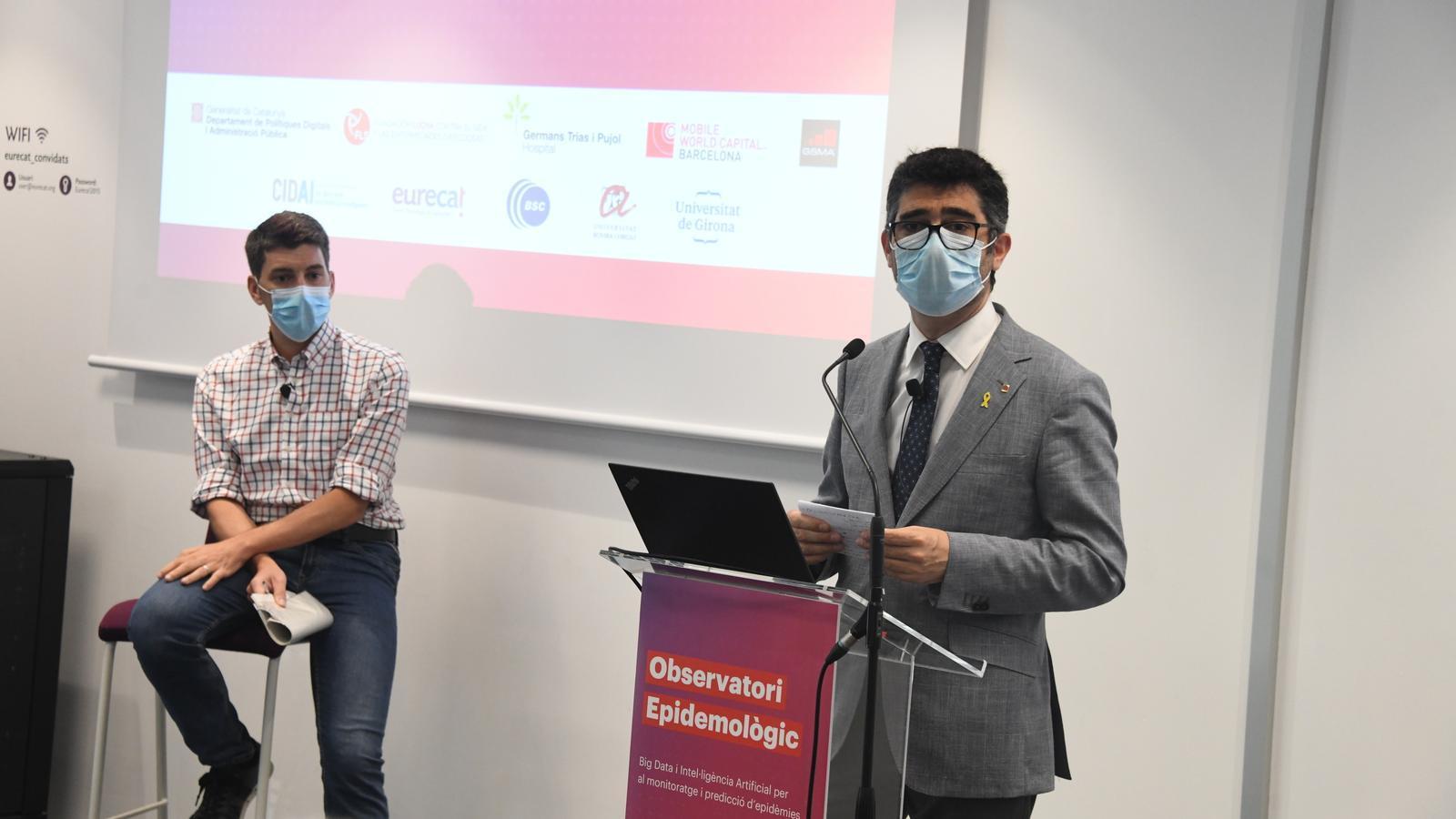 El conseller de Polítiques Digitals, Jordi Puigneró, aquest dijous amb l'epidemiòleg Oriol Mitjà