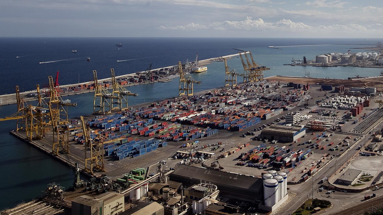 El port de Barcelona creix un 11,4% fins al novembre i supera els 62 milions de tones