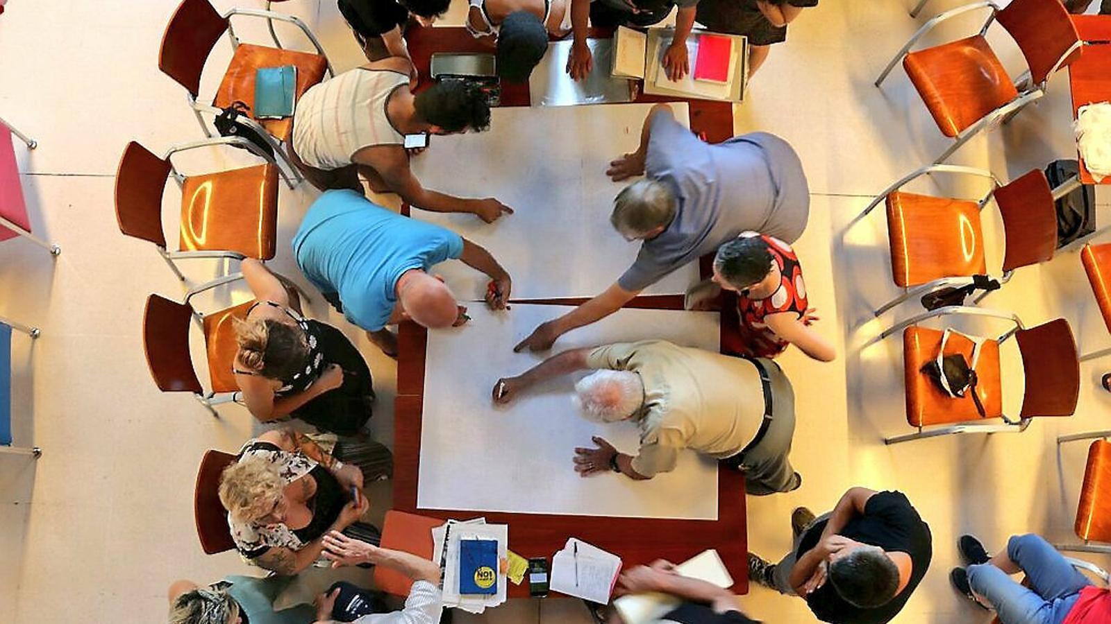 Projectes de creació col·lectiva per repensar la Soledat