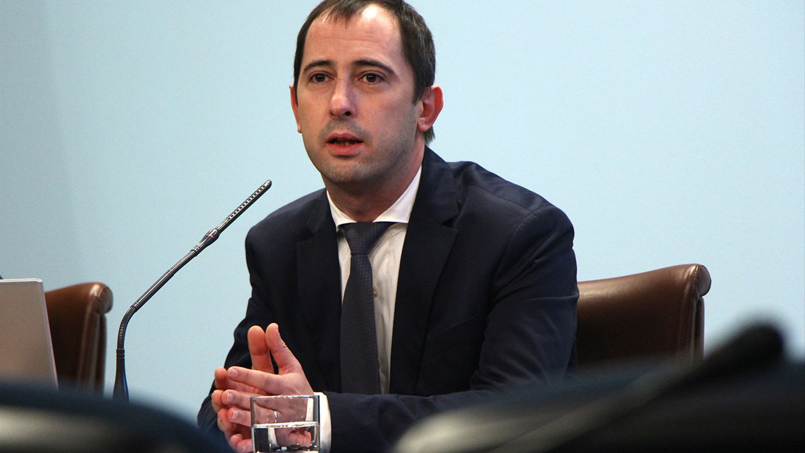 El director de l'Oficina de l'Energia i el Canvi Climàtic, Carles Miquel, durant la roda de premsa d'aquest dimecres. / M. M. (ANA)