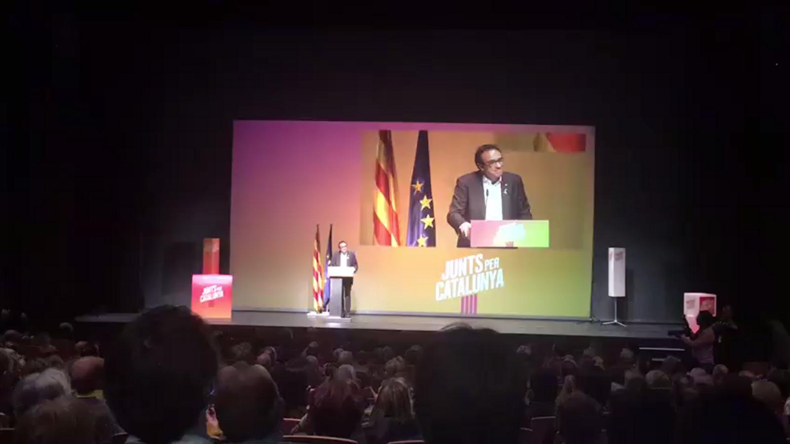 Josep Rull s'emociona en el seu discurs a Terrassa i agraeix a la seva dona haver estat al seu costat en aquest temps a la presó