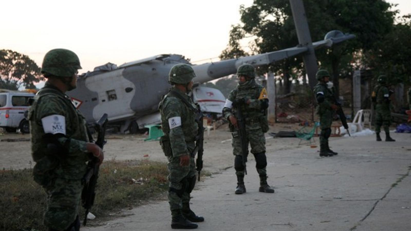 Tretze morts en estavellar-se un helicòpter que visitava la zona afectada per un terratrèmol a Mèxic