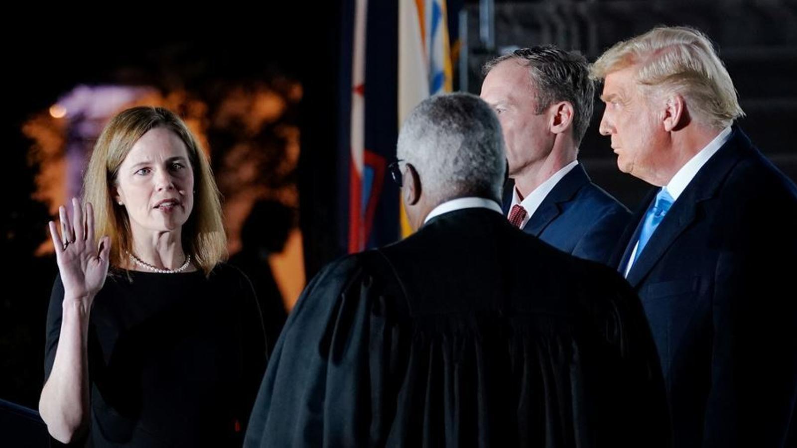 Amy Coney Barrett és proclamada nova jutge del Tribunal Suprem.