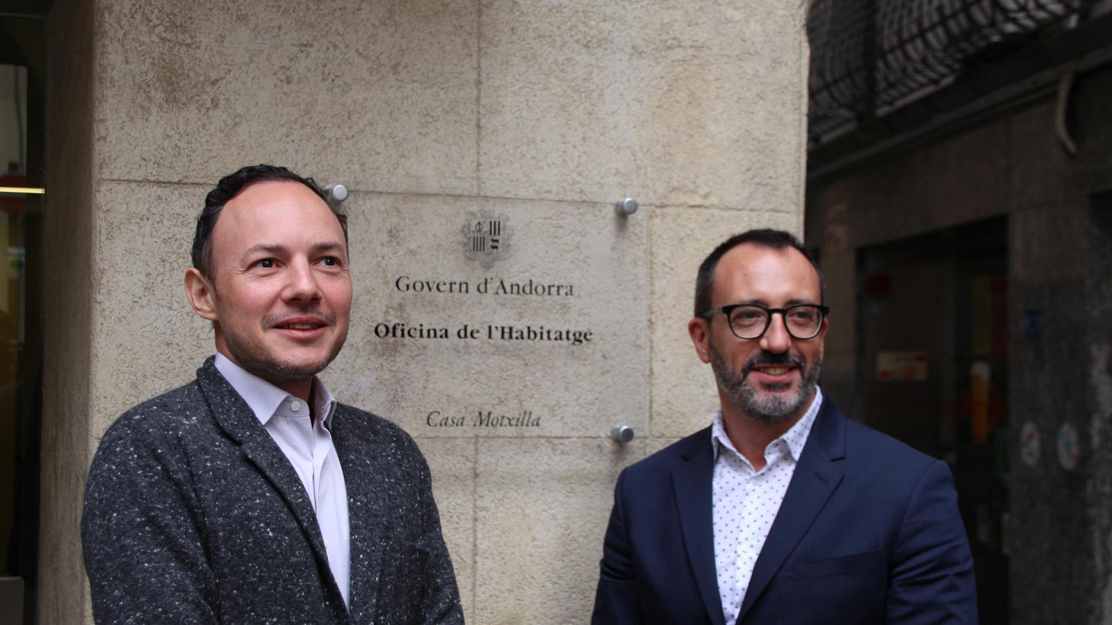 El cap de Govern, Xavier Espot, i el ministre d'Afers Socials, Habitatge i Joventut, Víctor Filloy, en la inauguració de l'Oficina de l'habitatge. / A.S. (ANA)