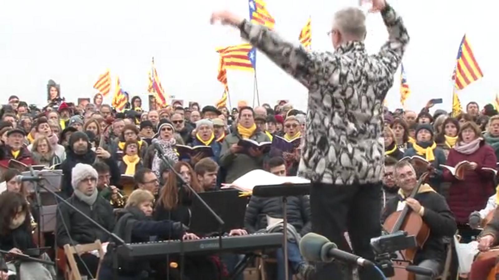 500 cantaires i músics interpreten el 'Messies' de Händel davant de Lledoners