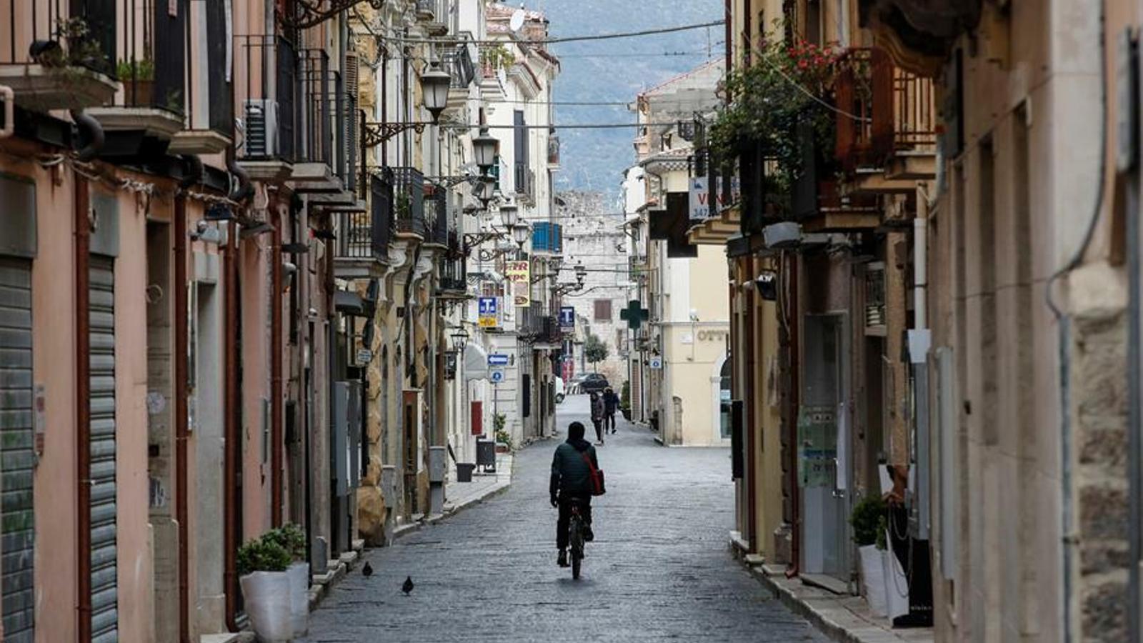 Carrers buits a la ciutat italiana de Fonti, prop de Roma.