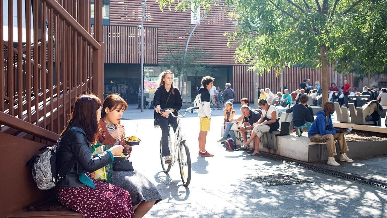 """""""La Plaça de la Gardunya és espai públic, és a dir, un espai per a tots"""""""