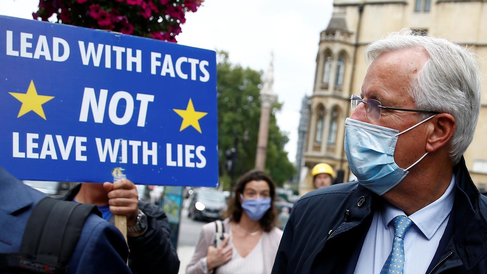 La UE es posa en guàrdia davant el desafiament de Londres de saltar-se l'acord del Brexit
